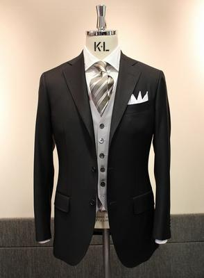 Model:BLACK LABEL COMFORT Fabric:JACKET CANONICO 100%Wool     VEST Caccioppoli Wool&Silk