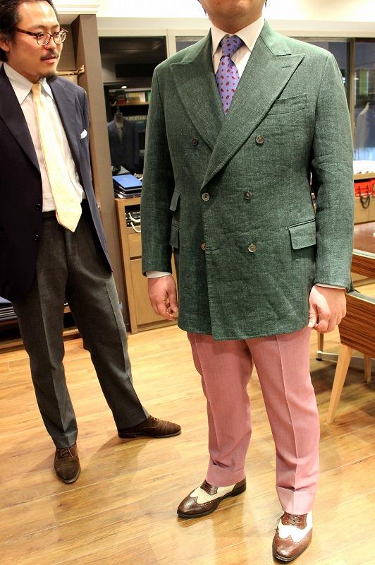 GreenのLinen JacketとPinkのOsaku Bespoke Pants