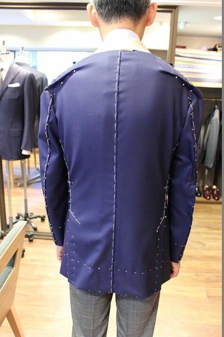 I様 2015AW仮縫い①バック.jpg