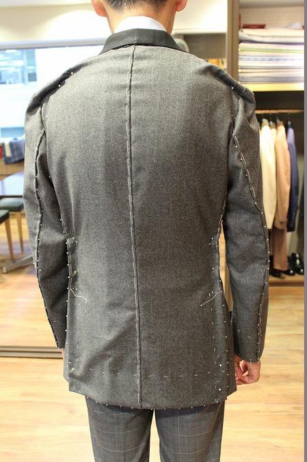 I様 2015AW仮縫い②バック.jpg