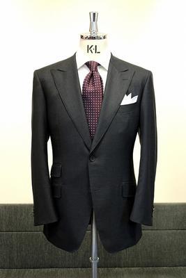 Model:BLACK LABEL CLASSIC Fabric:DRAPERS BLAZON SUPER150'S