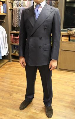 Model:BLACK LABEL CLASSIC Fabric:HOLLAND&SHERRY SUPER160'S 100%Wool