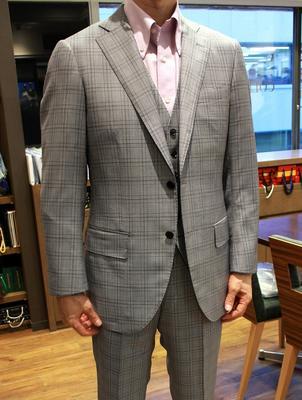 Model:BLACK LABEL COMFORT Fabric:LORO PIANA ROYAL WISH Super170's Wool&Silk