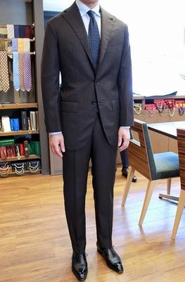 BESPOKE JACKET by WATANABE BESPOKE PANTS by OSAKU Fabric:DRAPERS Wool&Silk