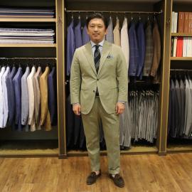 コットンソラーロのスーツ