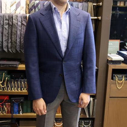 英国紳士も大満足!LORO PIANAのTASMANIAN®のスーツとCANONICOのHOP SACKのジャケット
