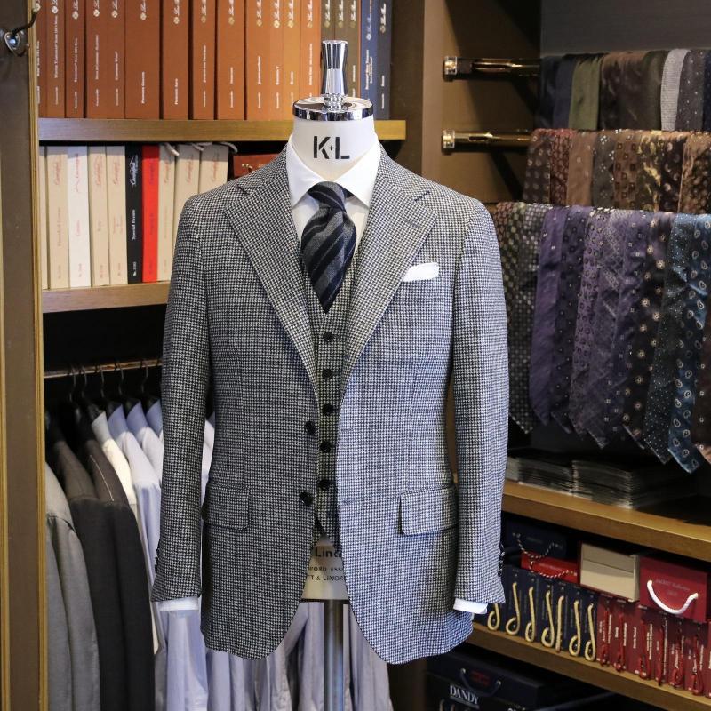 MODEL:BLACK LABEL COMFORT FABRIC:CANONICO 100%Wool(SUPER100'S FLANNEL)