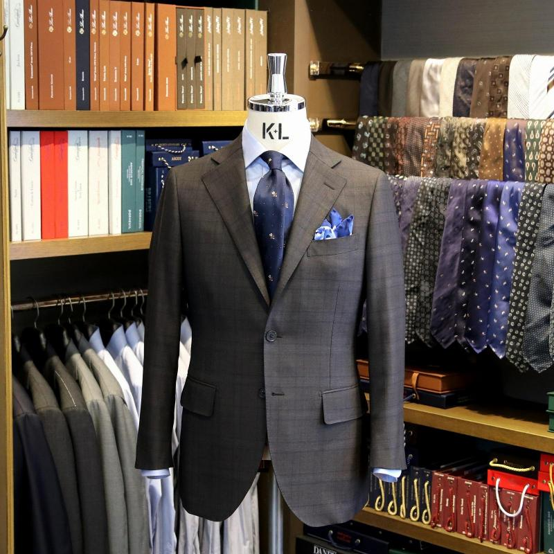 MODEL:BLACK LABEL FABRIC:DRAPERS 100%Wool