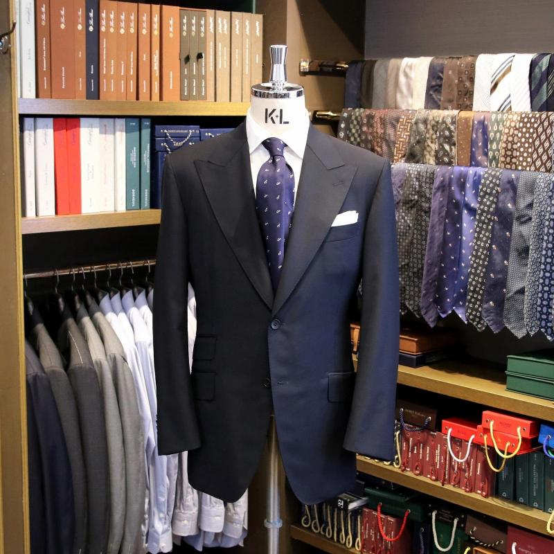 MODEL:BLACK LABEL FABRIC:LORO PIANA 100%Wool