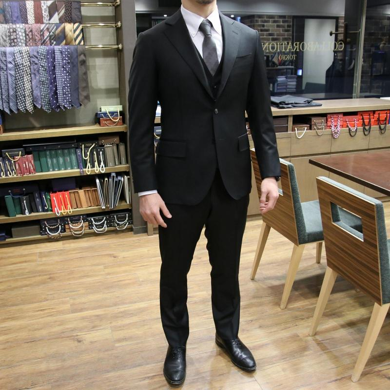 MODEL:BLACK LABEL FABRIC:LORO PIANA TASMANIAN®SUPER150'S WOOL